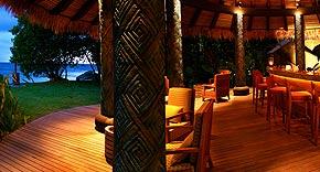 Sunset Pool Bar, Maia Luxury Resort & Spa Mahe