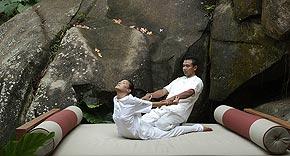 Yoga, Maia Luxury Resort & Spa Mahe