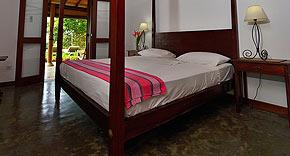 Doppelzimmer Courtyard, The Three Sisters, Matara Sri Lanka