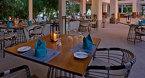 Restaurant Azure, Kandima Maldives
