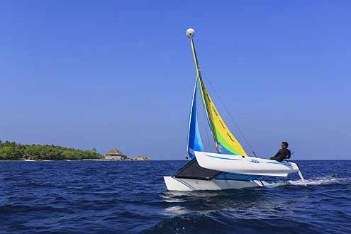 Katamaran segeln auf den Malediven