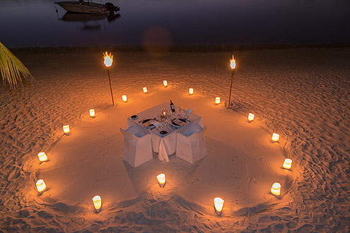 Honeymoon auf den Malediven, Dinner bei Kerzenschein
