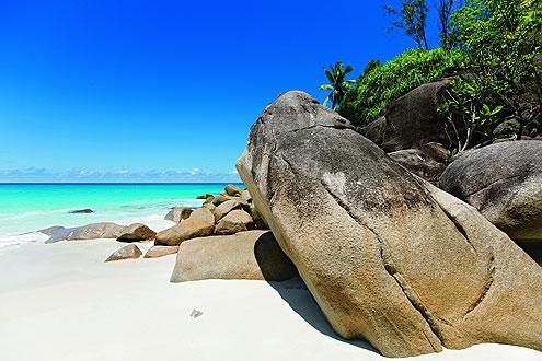 Insel La Digue auf den Seychellen, Bootstransfer von Mahe nach La Digue oder Flug nach Praslin mit anschliessendem Bootstransfer nach La Digue