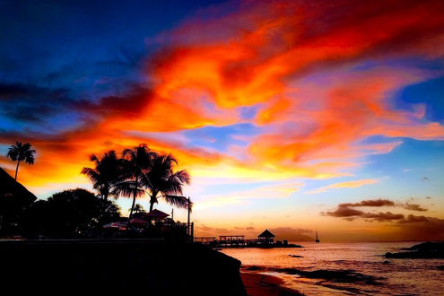 Sonnenuntergan beim Hotel Le Meridien Fisherman's Cove auf der Insel Mahe