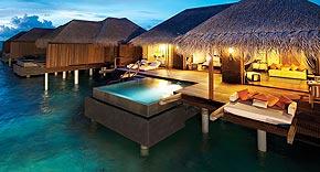Sunset Ocean Familiensuite auf der Insel Ayada Maldives, Malediven