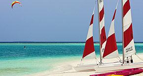 Wassersport auf der Insel Mirihi, Malediven