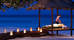 Wellnessanwendungen im Banyan Tree Vabbinfaru, Malediven
