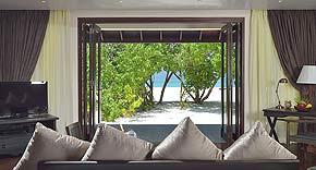 Sunset Beach Villa auf Atmosphere Kanifushi Maldives