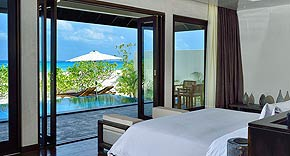 Sunset Pool Villa auf Atmosphere Kanifushi Maldives