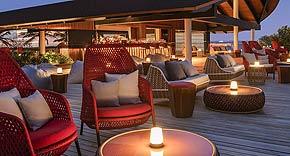 Sunset Bar vom Westin Maldives Miriandhoo