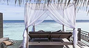 Wasser Villa mit Pool vom Outrigger Konotta Maldives