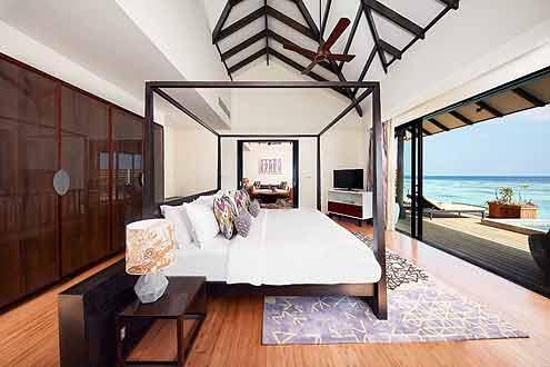 sehr grosse Zimmer mit fantastischem Ausblick von Ihrem Bett aus