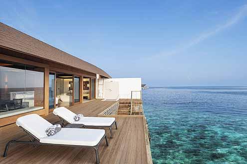 schlichtes Design und helle Farben ist das Motto im Westin Maldives Miriandhoo