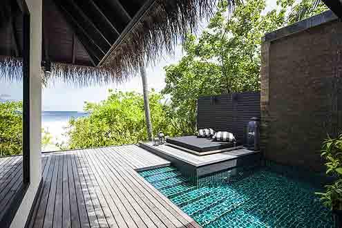 Beach Villa mit Pool auf der Insel Outrigger Konotta Maldives