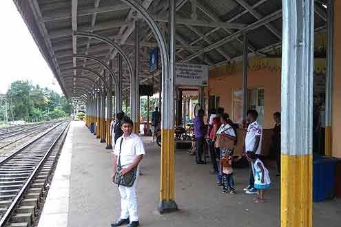 Bahnhof in Kandy, Sri Lanka